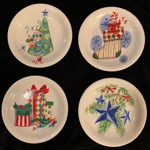 Set of 4 Vintage Style Dessert Plates.